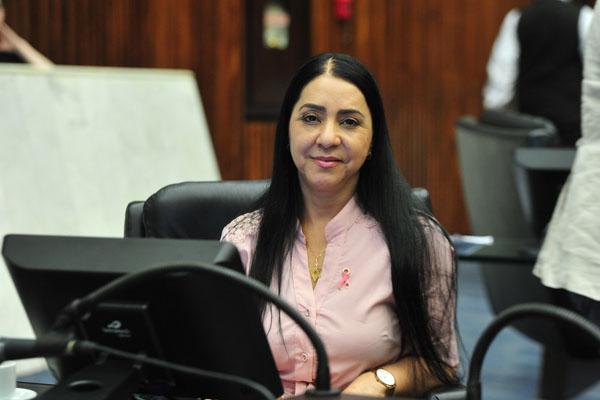 Cantora Mara Lima